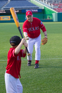 GOP team manager Joe Barton  (R-TX-6) plays with son Jack