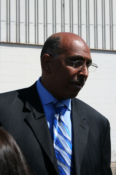 "Former Maryland Lieutenant Governor Michael Steele, chairman of conservative 527 GOPAC, grants an interview to a reporter at a Republican ""counter-convention"" event in Denver during the Democratic National Convention on Wednesday, August 27, 2008. (Anne-Marie Taylor)"