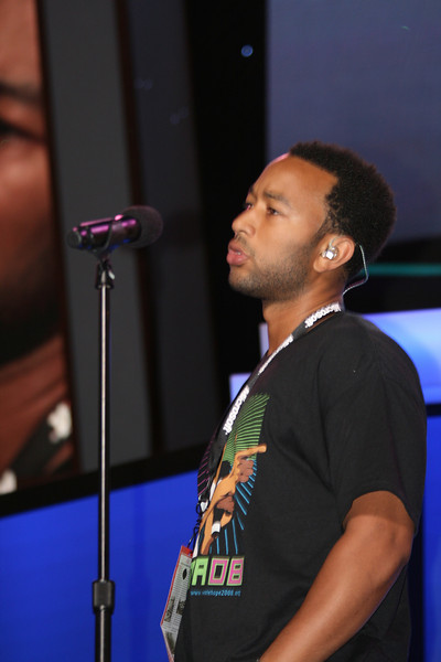 John Legend performs at the Democratic National Convention in Denver Monday, August 25, 2008. (Anne-Marie Taylor)
