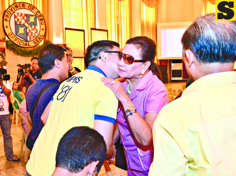 Acting Governor Agnes Magpale gets a warm greetings by her friends and supporters at the Capitol Social Hall where she led the present results of the election 2013 for Vice Gubernatorial race........( Sunstar-Amper Campaña    5 14 2013 )