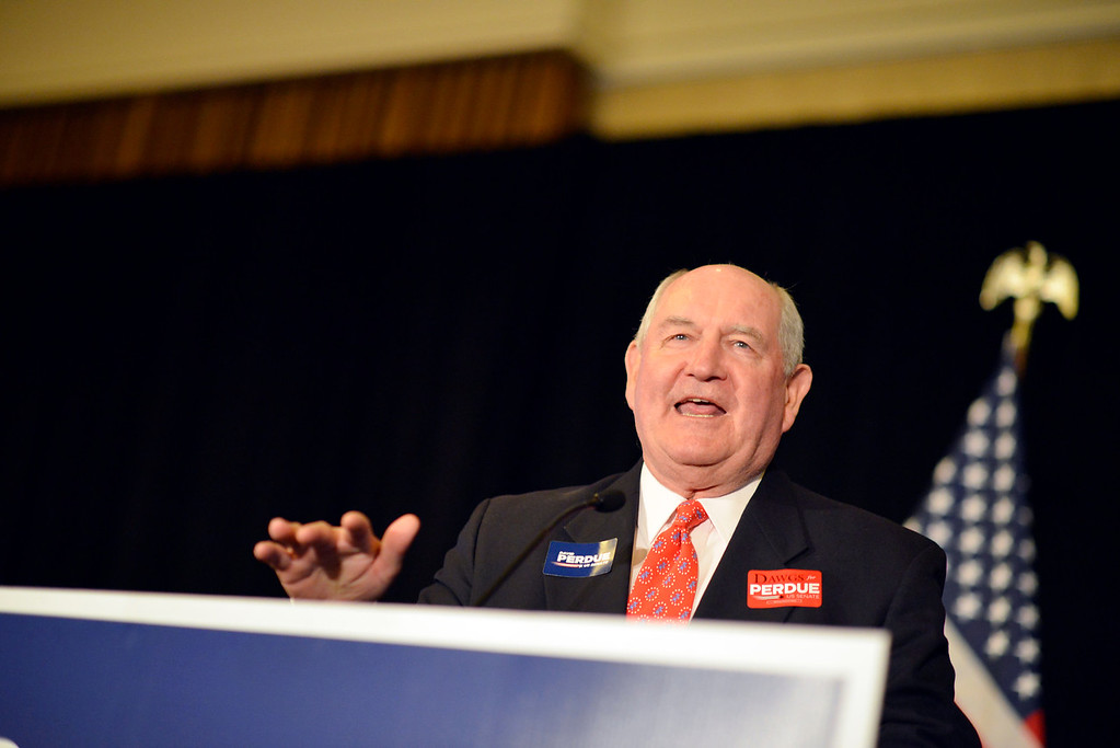 Former Gov. Sonny Perdue expresses his support for cousin David Perdue who is running for the U.S. Senate. (Photo courtesy Frank Arsics.)