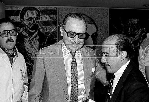 Ricardo Obregon Cano durante conferencia de prensa del COSPA en la FELAP, Mexico D.F, Mexico, Setiembre, 1982. En la foto: Ricardo Obregon Cano, centro, (Austral Foto/Renzo Gostoli)