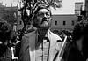 Julio Cortazar en plaza de Coyoacan, Mexico DF, Mexico, marzo 5, 1983. (Austral Foto/Renzo Gostoli)