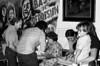 Ayuno de argentinos en apoyo a las Madres de Plaza de Mayo, Mexico D.F. Mexico, Abril 29, 1981. En la foto:  Carlos González Garland, izq, Susana Miguens, centro, sentada,  (Austral Foto/Renzo Gostoli)