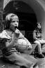 Acto en iglesia de ciudadanos argentinos exilados, Mexico DF, Mexico, Noviembre 11, 1979. En la foto: Javiera Miguens; (Austral Foto/Renzo Gostoli)