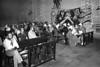 Ayuno de argentinos en apoyo a las Madres de Plaza de Mayo, Mexico D.F. Mexico, Abril 29, 1981. (Austral Foto/Renzo Gostoli) ARCHIVO ORIGINAL EN MAL ESTADO