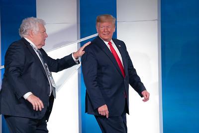 Donald Trump, Bill Bennett