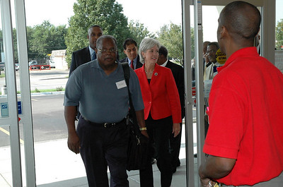 Gov Bus Tour to North Central Wichita Sept 1, 2006.