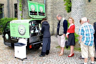 Grundlovsmøde 2012 Kø til kaffen