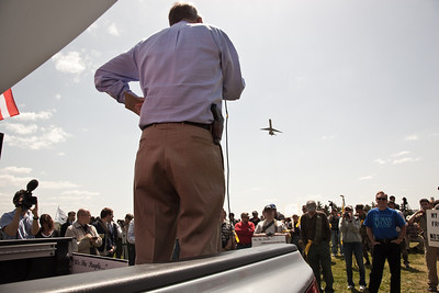 """Larry Pratt of Gun Owners of America speaks, protestors come armed at the """"Restore the Constitution"""" gun rights rally at Gravelly Point Park near Ronald Reagan National Airport on the Potomac River in Alexandria, VA. on April 19, 2010. (Photo by Jeff Malet)"""