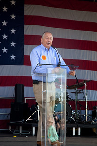 Larry Pratt is the executive director of Gun Owners of America. Here speaking as gun rights activists gathered near the Washington Monument for the Second Amendment March on April 19, 2010. (Photo by Jeff Malet)