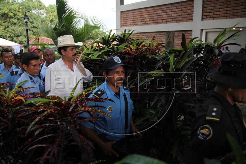 Ousted Honduran President Manuel Zelaya walks in Ocotal, Nicaragua, 23 Km (14 miles) from the Honduras border, Sunday, July 26, 2009. (Australfoto Nicolas Garcia)
