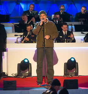 Singer James Taylor entertains at the end of the 90th annual lighting of the National Christmas Tree. President Barack Obama and the First Family flicked the switch to light up the tree before an estimated crowd of 17,000 on the Ellipse, south of the White House in Washington D.C. on December 6, 2012.  (Photo by Jeff Malet)