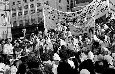 Plaza de Mayo mothers-