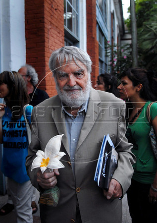"""Argentinian historian and writer Osvaldo Bayer, author of """"The Rebellious Patagonia"""" (""""La Patagonia rebelde""""), (the avengers of the tragic Patagonia), poses in the ESMA, Escuela de Mecanica de la Armada, a argentinian navy military center where more 5000 disappear, after receives from Argentina's president Cristina Kirchner, the award """"Azucena Villaflor"""" for his actuation defending human rights and the """"desaparecidos"""" citizens missing during the dirty war of 1970s, Buenos Aires, Argentina, December 18, 2008. (Austral Foto/Renzo Gostoli)"""