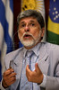 Brazilian Foreign affairs minister, Celso Amorim speaks with journalists in a press conference during the Mercosur Foreign ministers meeting in Rio de Janeiro, Brazil, Oct. 09, 2004 (AUSTRAL FOTO/RENZO GOSTOLI)