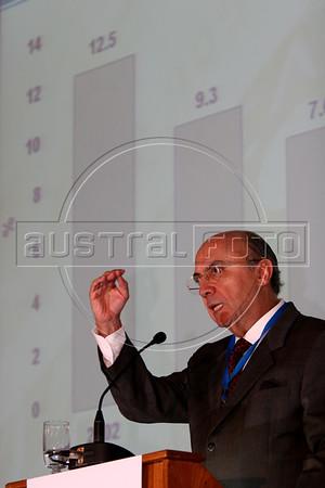 Brazilian Central Bank President Henrique Meirelles Rio de Janeiro, June 5, 2006. Henrique de Campos Meirelles (b. August, 31, 1945) is the current president of the Banco Central Do Brasil (Brazil's Central Bank).(AustralFoto/Douglas Engle)