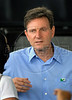 Senator Marcelo Crivella (PRB-Partido Republicano Brasileiro) and pre-candidate for Rio's Major, speaks with journalists during the inauguration by President Lula da Silva of a multibillionnaire dollar work's program for the city's poor communities in the Pavao/Pavaozinho slum complex, Rio de Janeiro, Brazil, Nov. 30, 2007. (Austral Foto/Renzo Gostoli)