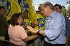 Brazilian Presidential candidate Jose Serra campaigns<br /> (Australfoto/Douglas Engle)