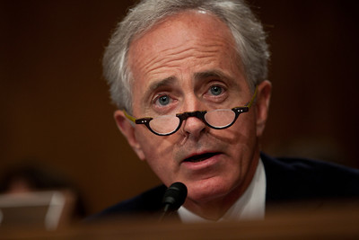 Sen. Bob Corker (R-TN) quizzes Federal Reserve Chairman Ben Bernanke and other top regulators on Capitol Hill in Washington DC, Thursday, Sept. 30, 2010.
