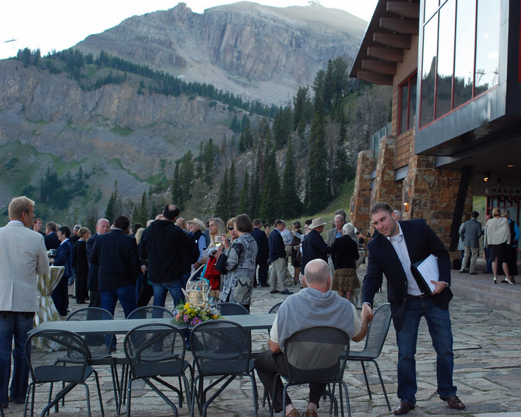 The outside reception area at the top of the mountain at Snake River Lodge