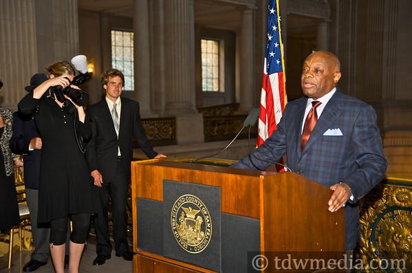 Roosevelt Desk Benefit in Mayor Gavin Newsom's Office 9-22-09