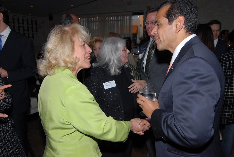 Yolanda Navarro Greets Antonio Villaraigosa