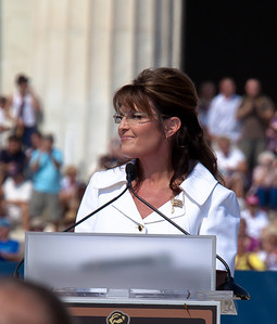 """Sarah Palin addresses the thousands of Tea Party activists and other conservatives gathered near the Lincoln Memorial for Glenn Beck's """"Restoring Honor"""" rally in Washington DC on August 28, 2010. The event took place on the 47th anniversary of Martin Luther King's famous speech. (Photo by Jeff Malet)"""
