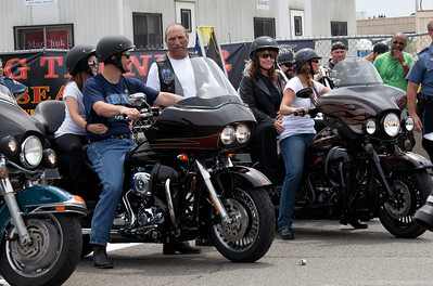 Sarah Palin made an appearance at the annual Rolling Thunder motorcycle rally along with members of her family. Sarah rides behind daughter Willow on the right. Piper Palin rides behind father Todd on the left. Here appearing at the Pentagon parking lot for the traditional noon time start. In Washington DC on May 29, 2011. (Photo by Jeff Malet)