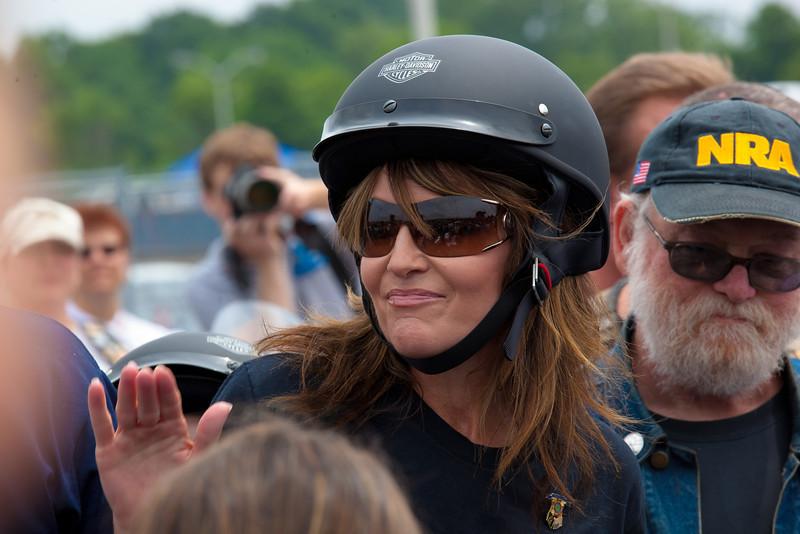 http://www.maletphoto.com/Politics/Sarah-Palin/i-zDdZPV2/0/L/IMG6714-1-L.jpg