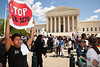 Supreme Court agues Arizona Immigration Law SB 1070 : April 25, 2012