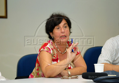 Victoria Grabois, iIntegrant of Brazilian human rights group 'Tortura nunca mais' speaks with journalists during a press conference at ACIE (Associacao Correspondentes da Imprensa Extrangeira) Association of Foreign Press Correspondents, Rio de Janeiro, Brazil, December 16, 2009.  (Austral Foto/Renzo Gostoli)