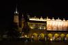 Mercado de Pañas e Iglesia Santa María de noche