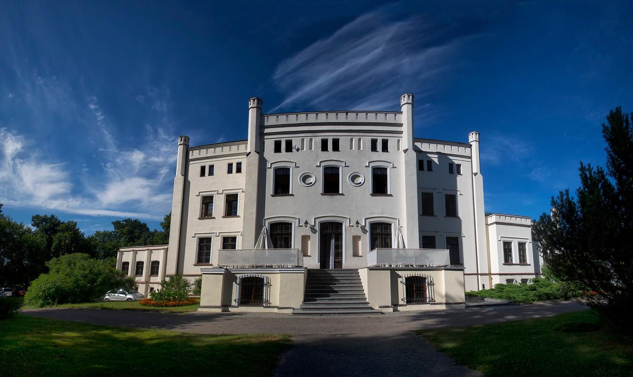 Pałac Bałoszyce koło Susza