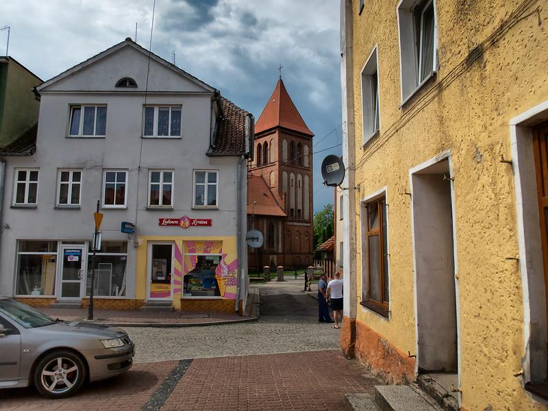 Main Market Square and  Parish Church of St. John the Baptist in Orneta, Polska / Rynek i  Kościół parafialny  Św. Jana Chrzciciela, Orneta, Polska