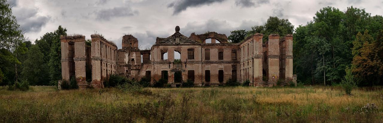 The Finckenstein Palace, Kamieniec, Polska / Palac Finckenstein'ow, Kamieniec, Polska