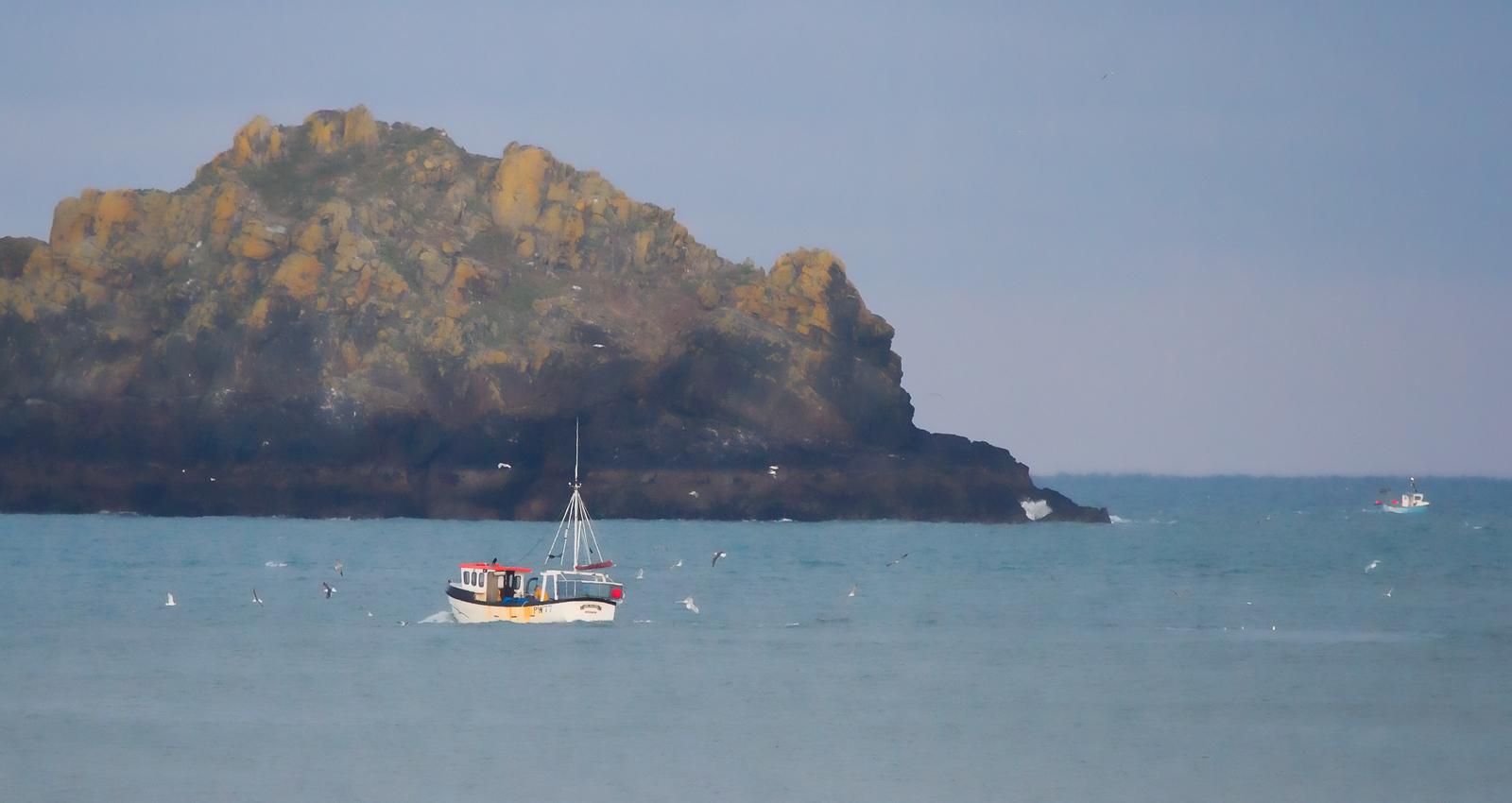 Fishing off Newlands, Hayle bay