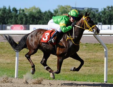 Merveilleux vinner med Linda Svensson Krupke | DALVA DE OLIVEIRA PONNYSERIE KAT C | Jägersro 130807 | Foto: Stefan Olsson / Svensk Galopp