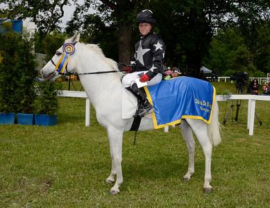 Rathosey Too vinner och Sandra Lindblom | Strömsholm 110612 Foto: Stefan Olsson / Svensk Galopp