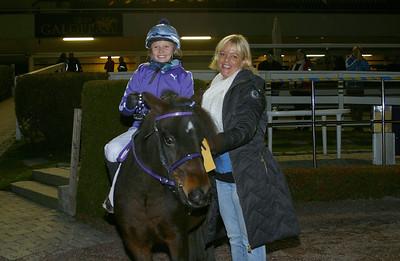 Amanda Bäckström och Fantomen vann consolation i kat A | Foto: Lars Odin