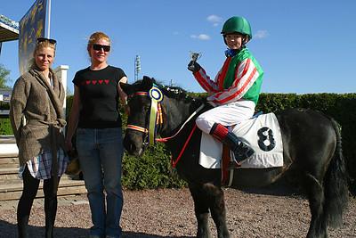 Alina Öhgren och Simson vinner kat A | Täby 120513 | Foto: Lars Odin