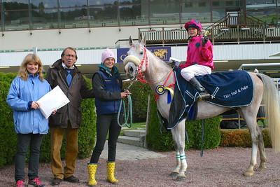 Amiri Joad och Melissa Juneskans vinner på Täby Galopp Foto: Lars Odin
