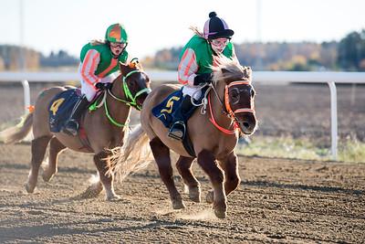 Ponnygalopp Bro Park 161030 Foto: Elina Björklund / Svensk Galopp