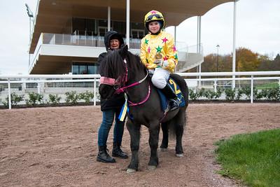 Ponnygalopp Bro Park 171029 Foto: Elina Björklund / Svensk Galopp