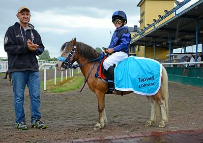 Oscar och Louisa Thier | TAPWELL LÖPNING KAT A | Jägersro 140625 | Foto: Stefan Olsson / Svensk Galopp