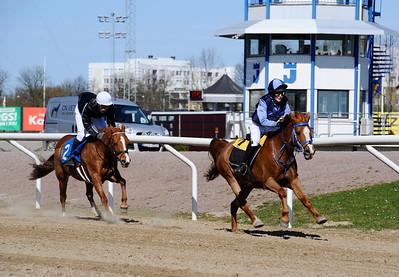 Fox Mcloud och Mathilda Thier vinner före Power Nova (Ted Malmberg)   Jägersro 150419   Foto: Stefan Olsson / Svensk Galopp