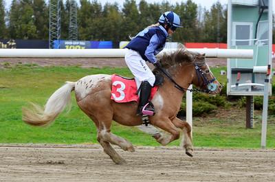 Oscar vinner med Atilia Sinn Burgermeister  Jägersro 161009 Foto: Stefan Olsson / Svensk Galopp
