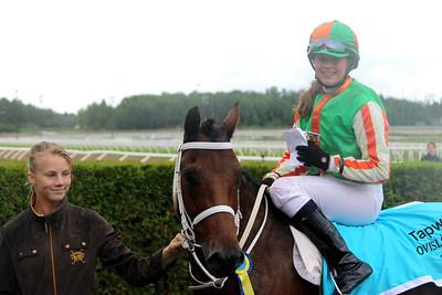 Munsboro Mayfair och Corinne Jerand i vinnarcirkeln efter segern i Tapwell Sverige-Norgekampen i kat A | Täby 130831 | Foto: Foto: Jacqueline Vidmark