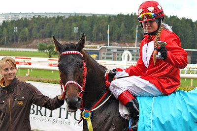Jane Berg von Linde och Majstro i vinnarcirkeln efter segern i Tapwell Sverige-Norgekampen i kat A | Täby 130831 | Foto: Foto: Jacqueline Vidmark