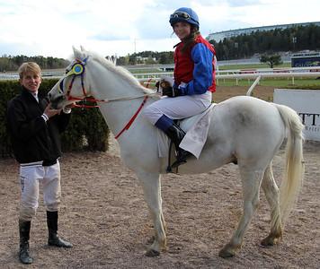 Rathosey Too och Anna-Maria Eleftherakis | Dalva Cup Kat B | Täby 140504 | Foto: Klara Röstlund / Svensk Galopp